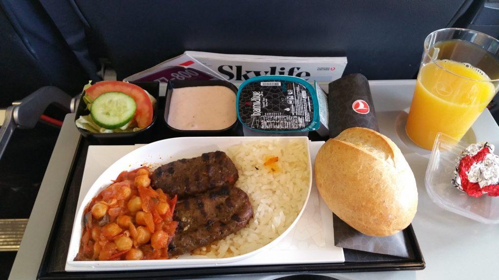 Let (VIE) - (SAW),oběd