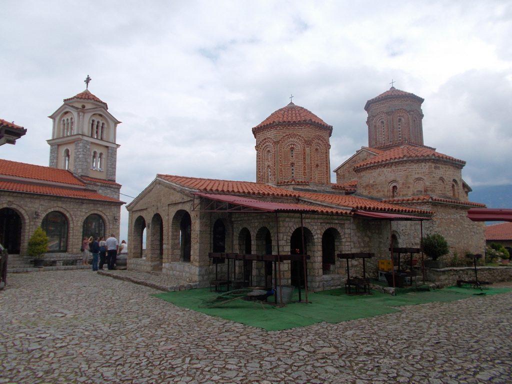 Ohrid,nádvoří kláštera sv.Nauma
