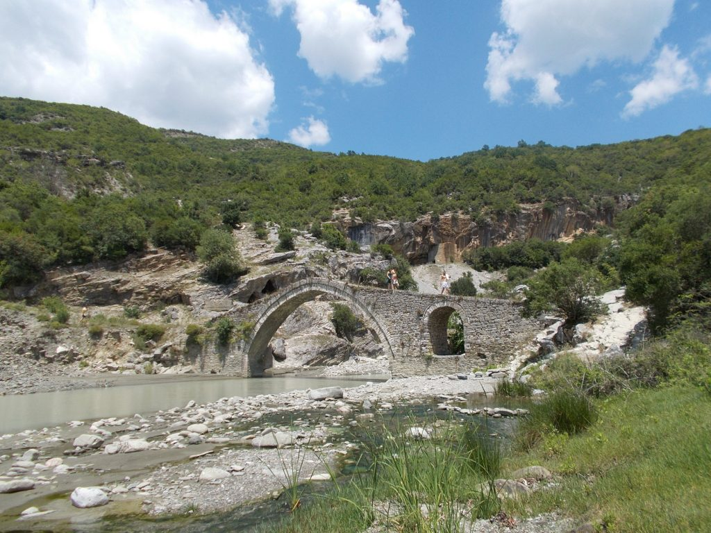 Benjë,starý most
