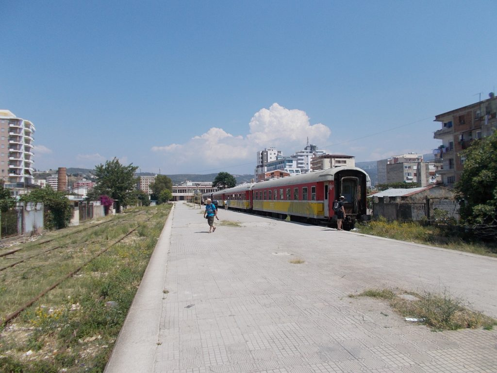 Vlorë,vlakové nádraží