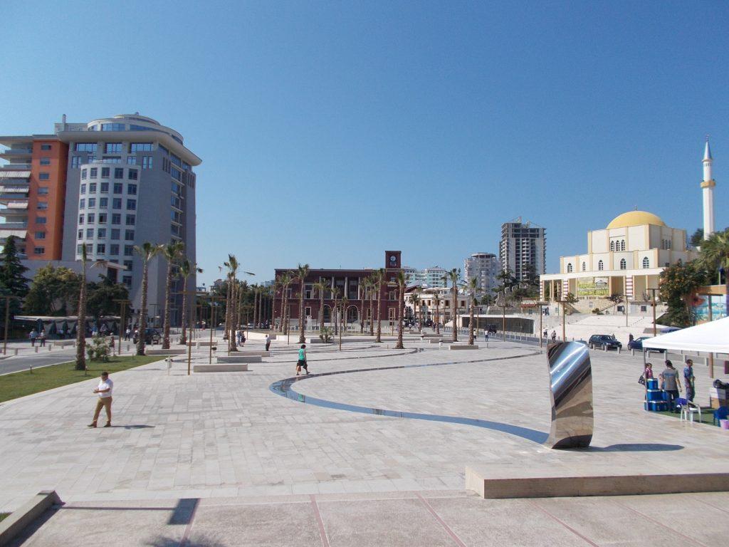 Durrës,náměstí Svobody(ráno)