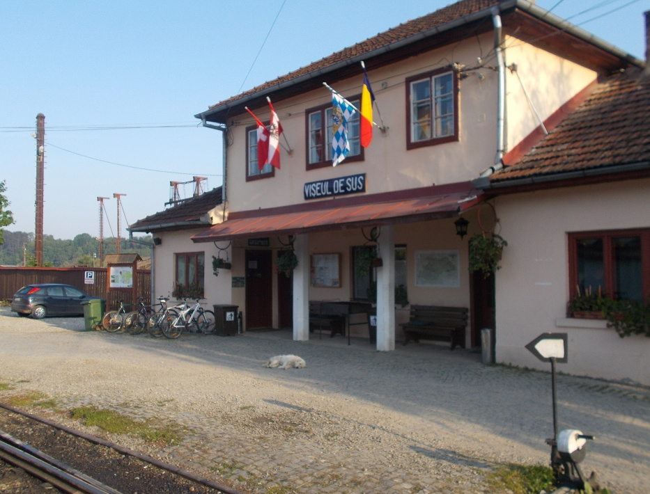 "Viseu de Sus,nádraží úzkokolejky ""Mocanita"""