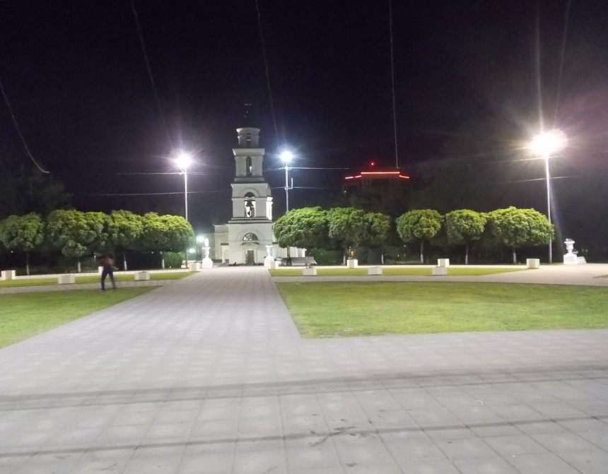Kišiněv,zvonice před Metropolitní katedrálou