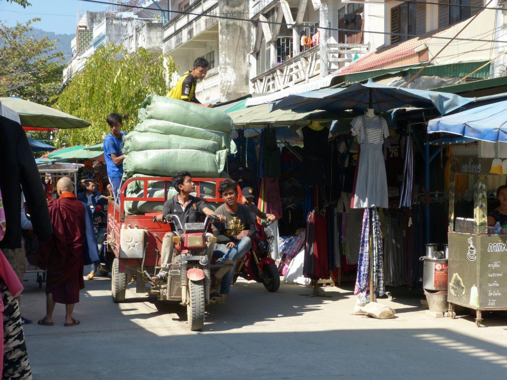Myanmar,Tachileik,trhy