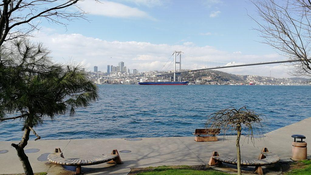 Üsküdar,Bosporský most