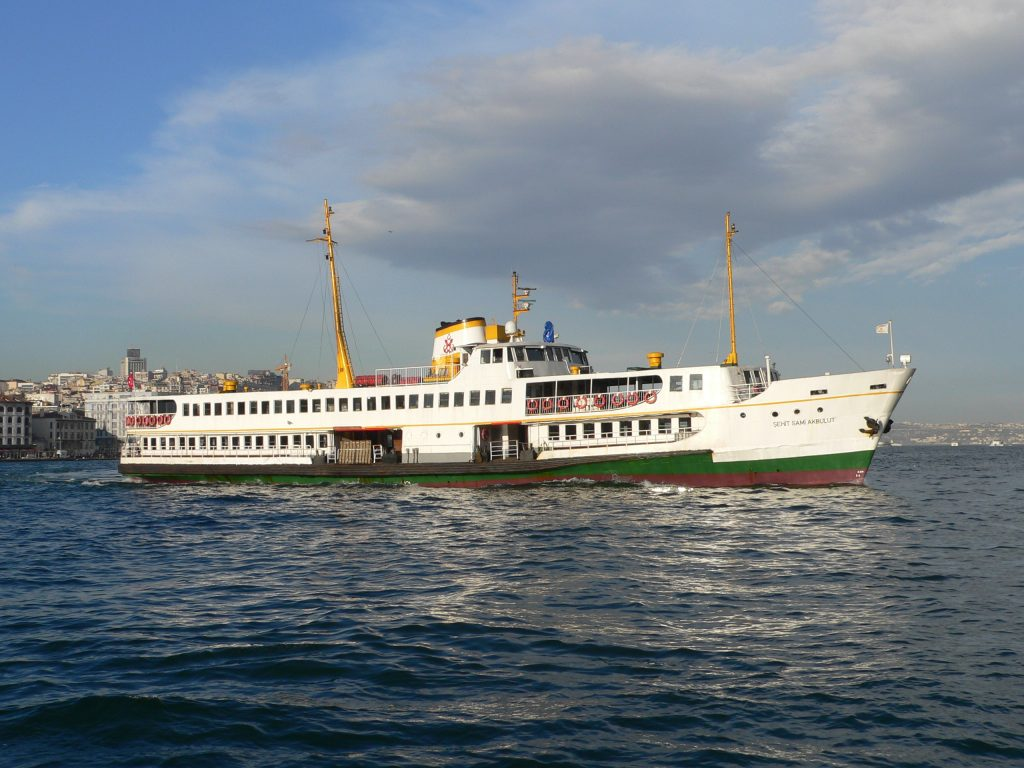 Eminönü,loď na Princovy ostrovy