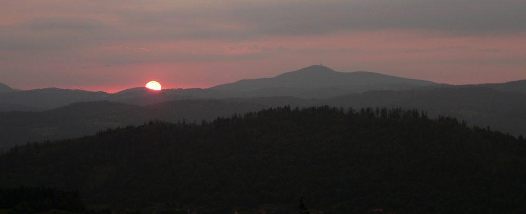 západ slunce z rozhledny Marťákov kopec