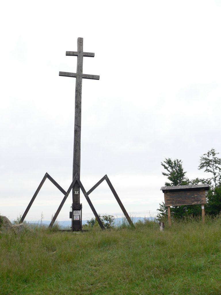 Slovanský kříž pod Ostrým vrchom