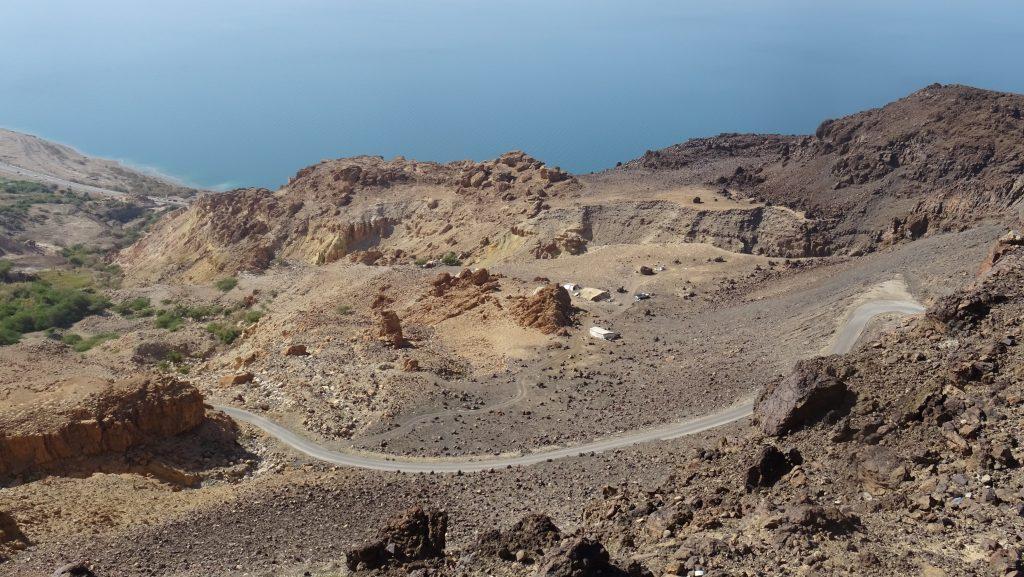 Mrtvé moře,vyhlídka nad serpentinami