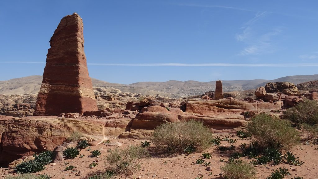 Petra,High Place of Sacrifice Trail,Nabatejské obelisky
