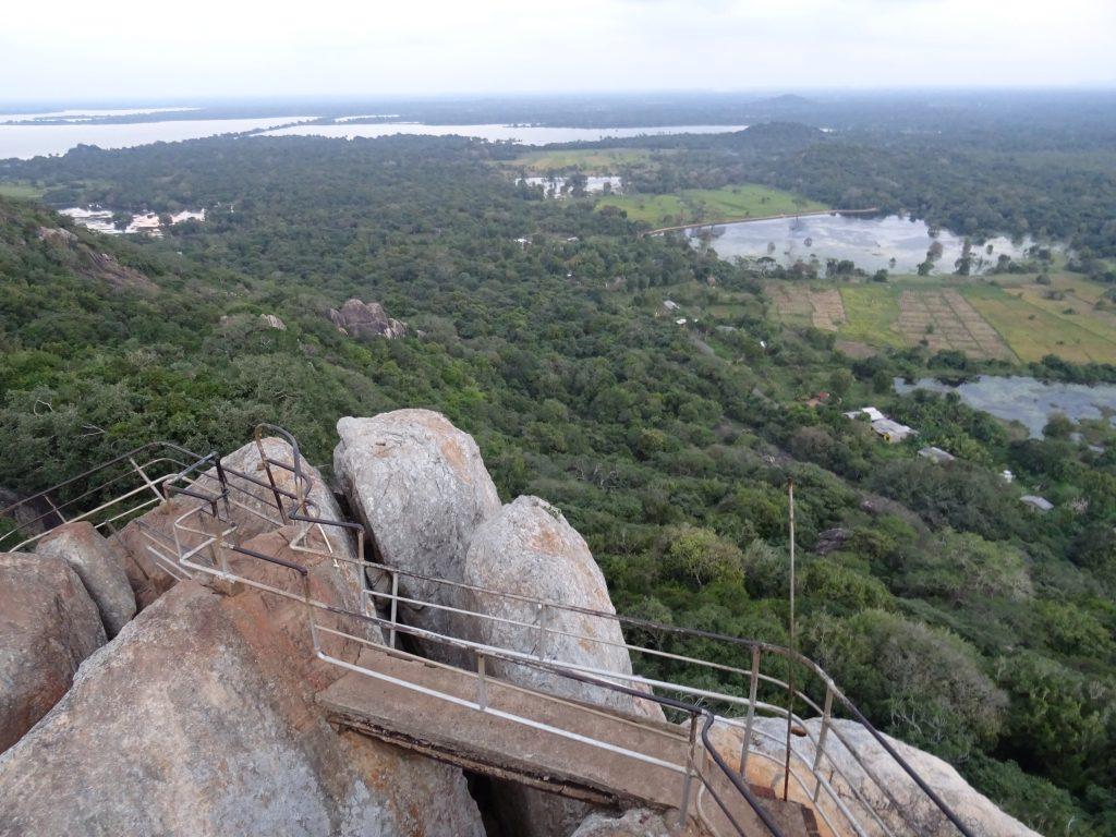 Mihintale,výhled z Aradhana Gala