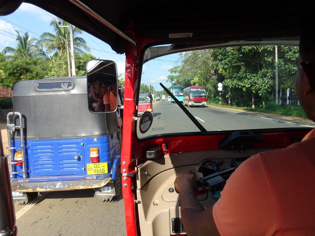 Dambulla,jízda tuk-tuky do Inamaluwy