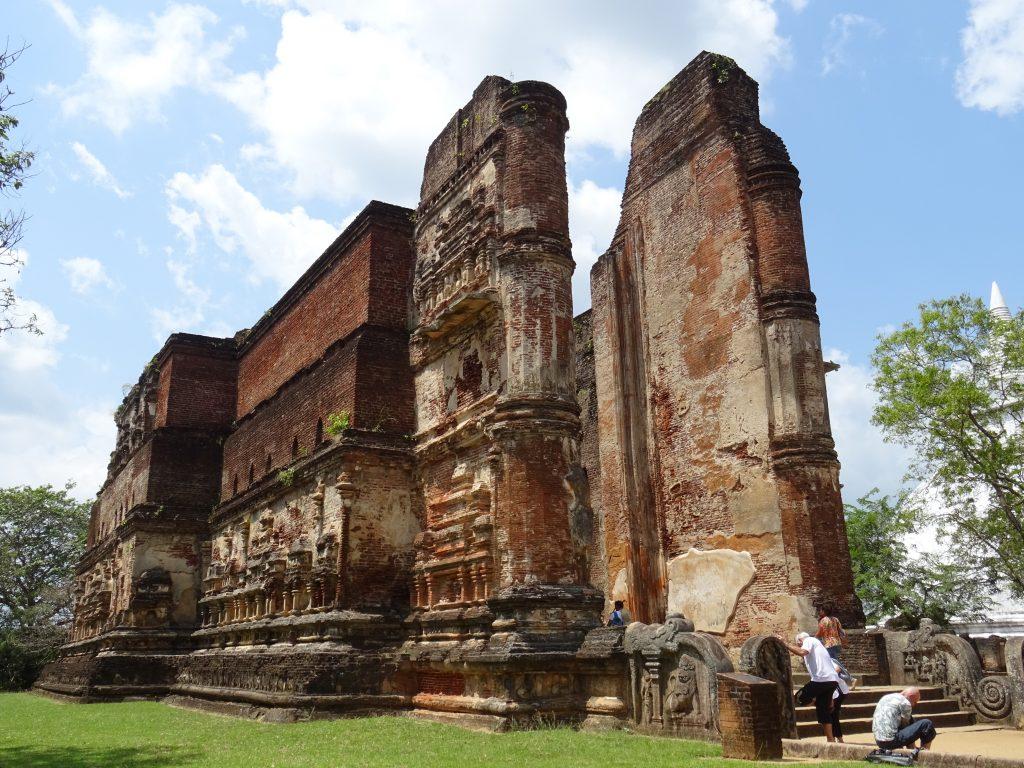 Polonnaruwa,Lankatilaka Viharaya