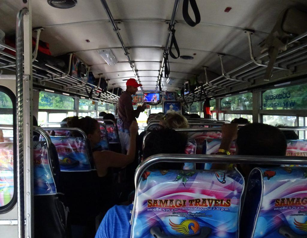Bus Polonnaruwa - Dambulla