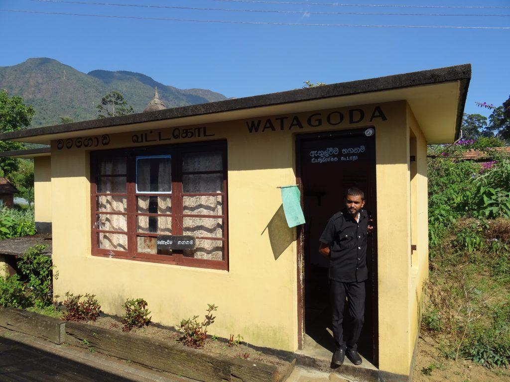 cesta vlakem Kandy - Nanu Oya,zastávka Watagoda