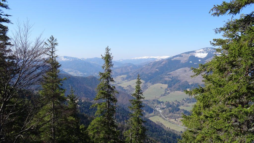 výhled z vrcholu Brankova na Velkou Fatru