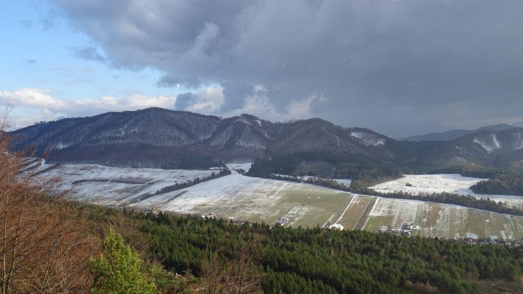 Manínec,výhled na Strážovské vrchy