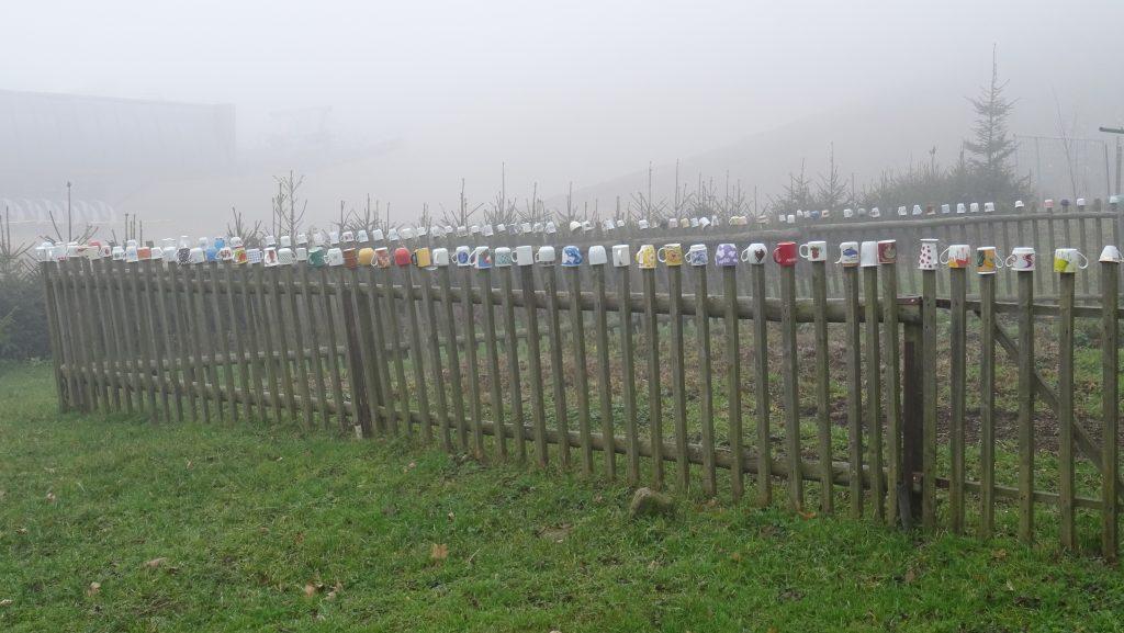 Stříbrnice,hrníčkový plot :-)