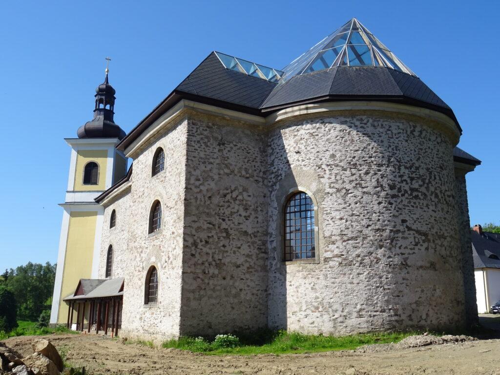Neratov,kostel Nanebevzetí Panny Marie